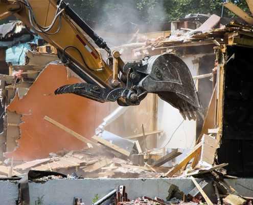 Снос дачного дома с вывозом мусора