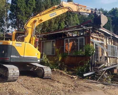 Снос дачного дома с вывозом отходов