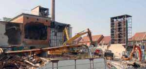 Снос промышленных зданий в СПБ