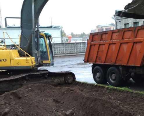 Разработка грунта и рытьё траншей в Санкт-Петербурге