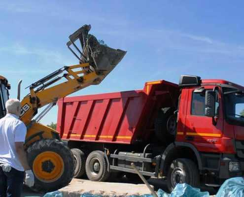Вывоз мусора с погрузкой в СПБ СК ООО «Эверест»