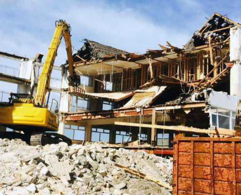Демонтажные работы в Санкт-Петербрге и области